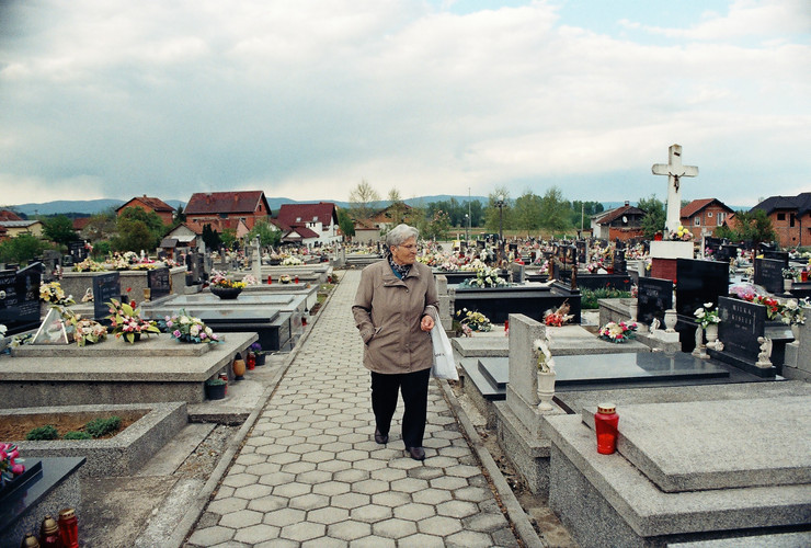 Milena at the cemetery