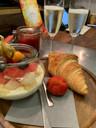 Obstsalat, croissant, Sektfrühstück, Cafe Salikum, Frühstück in Hannover den ganzen Tag,Frühstücksbuffet,