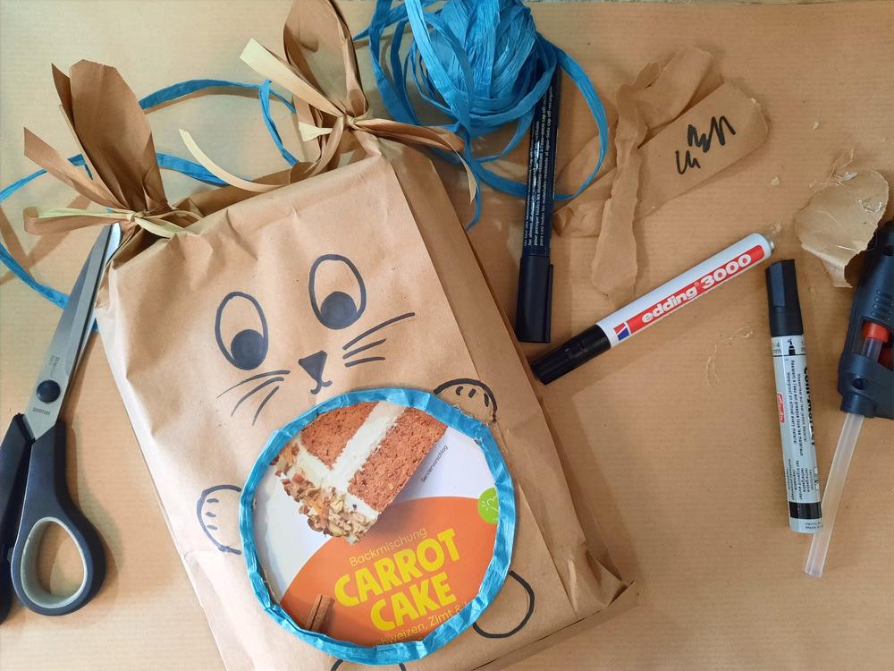 selbstgebastelte nachhaltige Geschenkverpackung zu Ostern