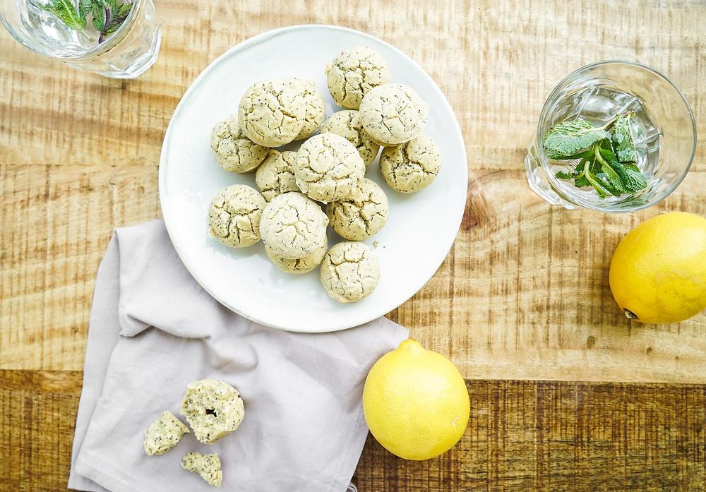 Vegane und glutenfreie super saftige Zitronen-Muffins mit Mohn ohne Zucker
