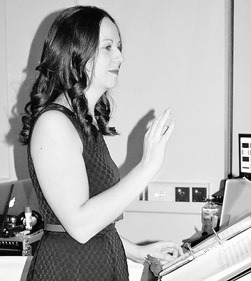 Piano Lessons in Ibstock. Jo can also teach vocals, french horn and cornet. Call MAXJam Music Services now