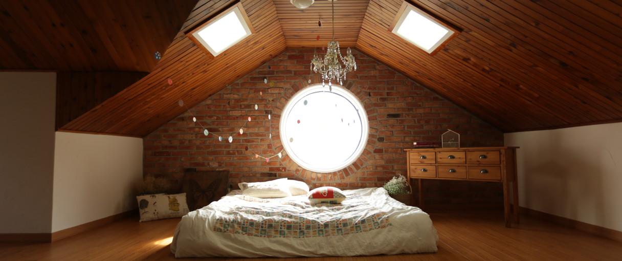 architecture-bed-bedroom-271743.jpg