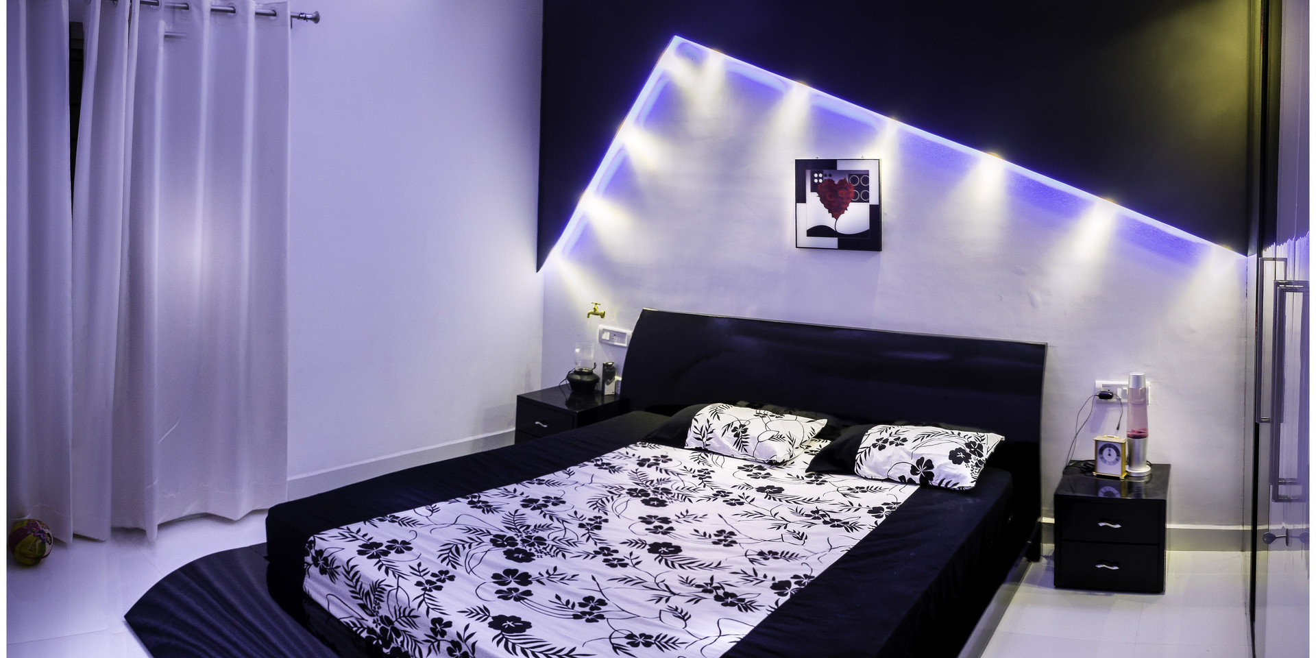 architecture-bed-bedding-279858.jpg