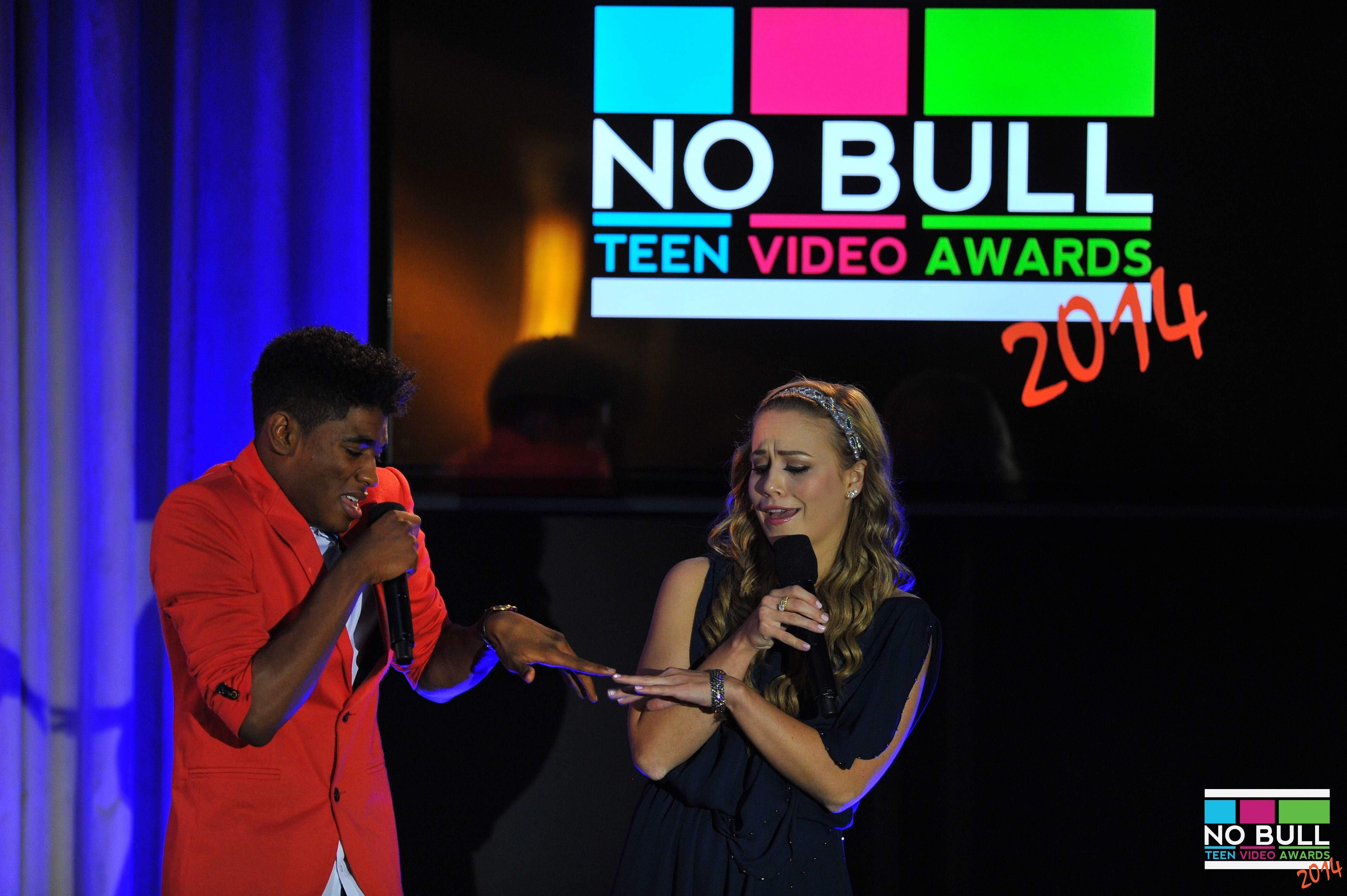 2014 Teen Video Awards - Hosts