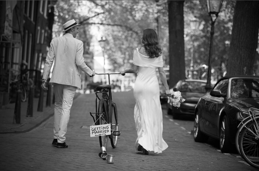Wedding-photographer-Amsterdam-black-whi