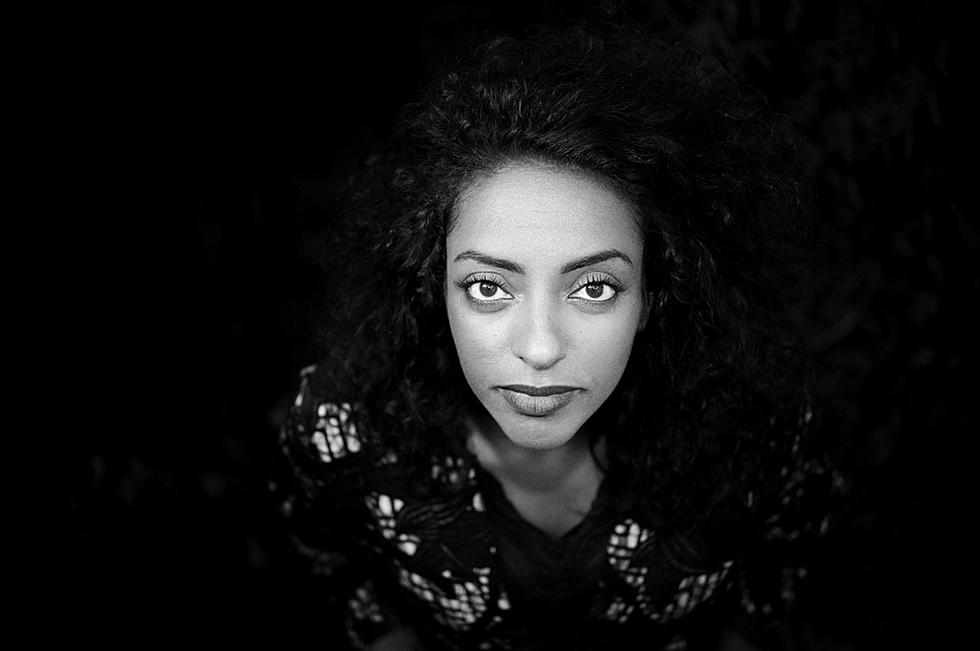 milka-black-and-white-photo-portrait-hea