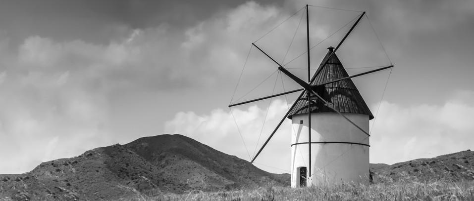 White moulin