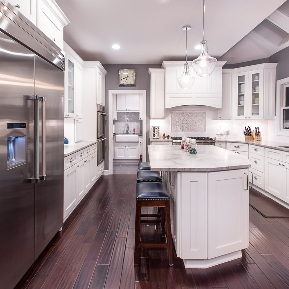 Can White Kitchen Cabinets Be Repainted: Ice White Shaker Cabinet