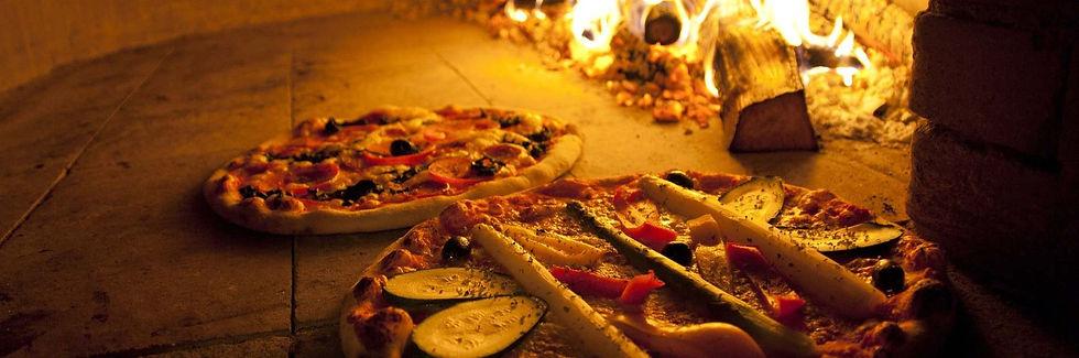 m_pizza-744405_1920_edited.jpg