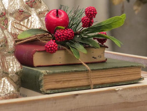 Add some Vintage touches to your Christmas decor