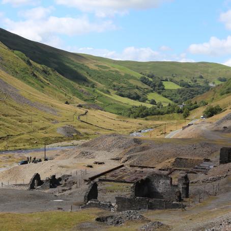 Cerdyn Post Creadigol: Cwmystwyth - Heather Williams