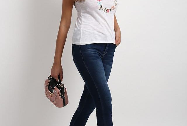 Embroidered garland T Shirt