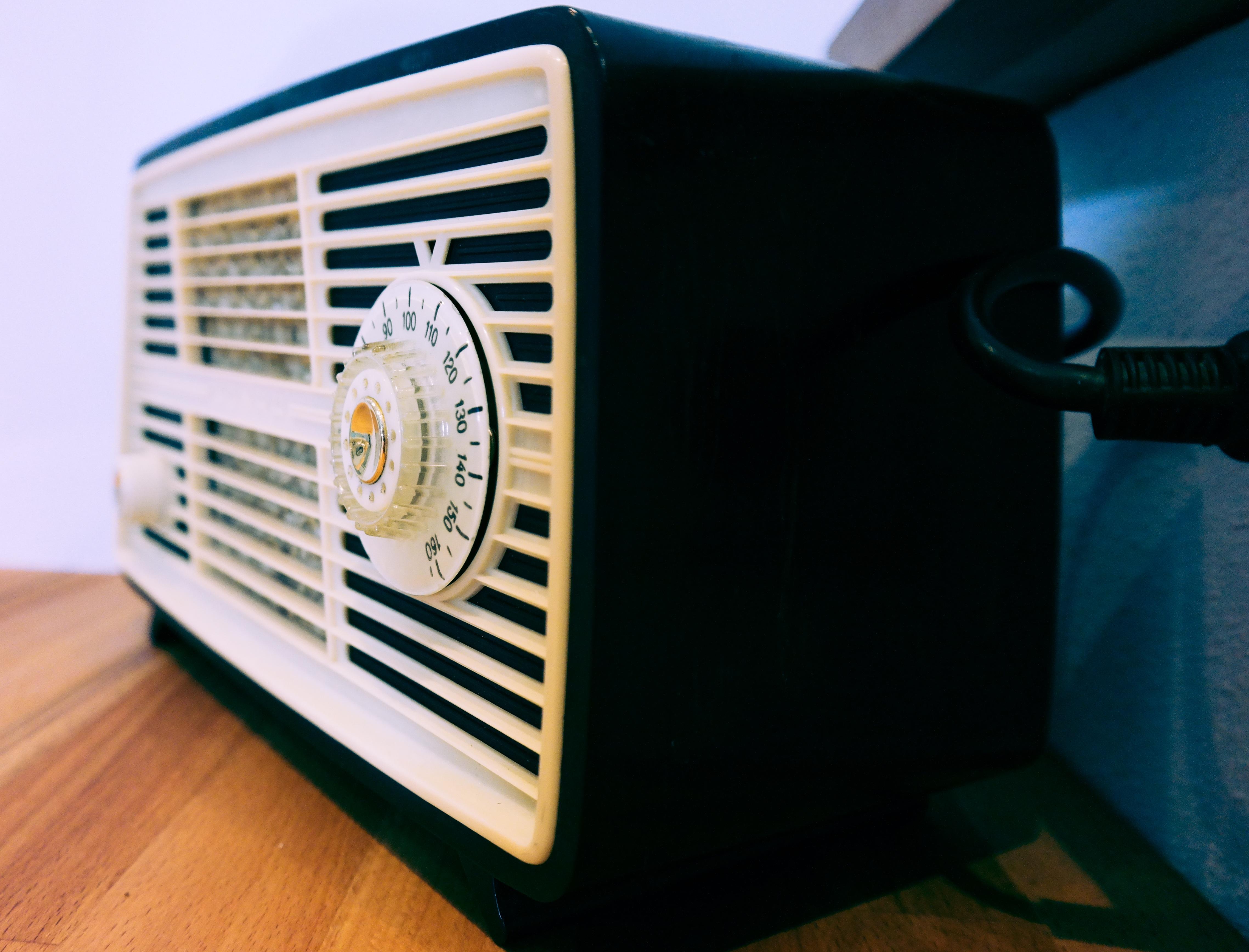 rádios corporativas e online