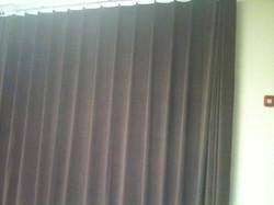 Serpentine-pleated Velvet Curtains