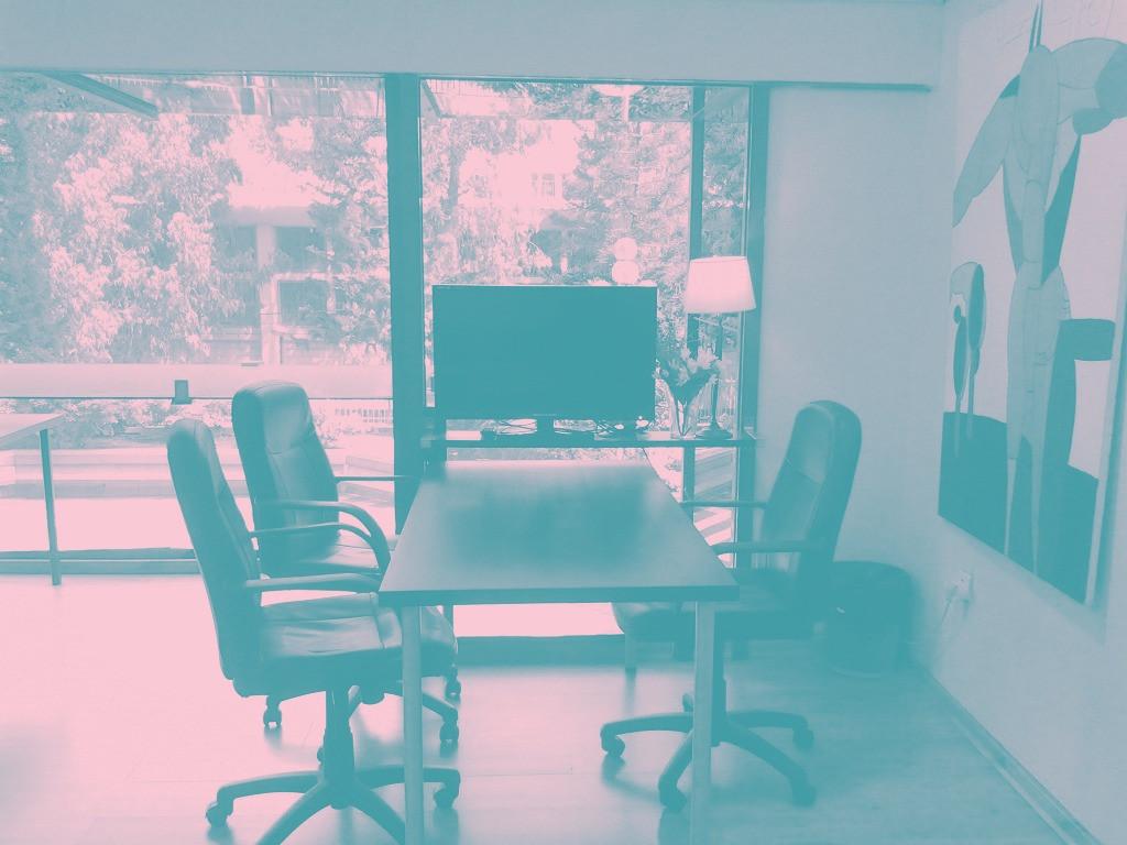 חדר משרד לקיום ראיונות