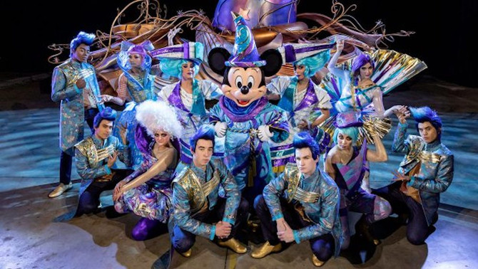 First Look: Mickey Mouse Leading 'Magic Happens' Parade, Debuting Feb. 28 at Disneyland Park
