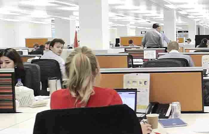 Lighting boosts office workers' sleep by 26 minutes