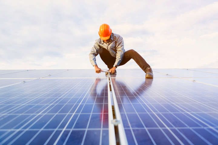 Logistiek vastgoed: zo ga je van dak naar duurzame energiecentrale