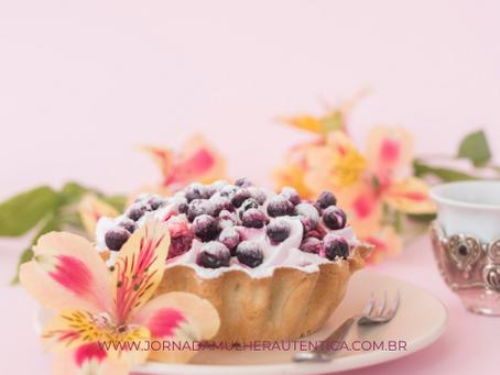 Torta de castanhas com geleia de frutas