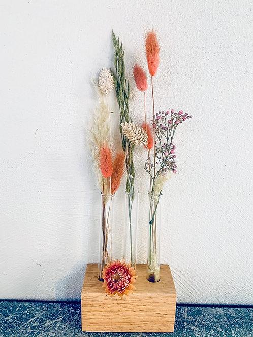 Houder met droogbloemen