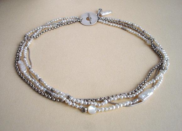 Collier witte parels en zilver, 4 strengen