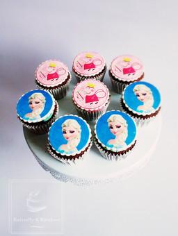 Elsa and Peppa Pig cupcakes