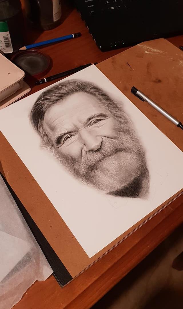 commissioned portrait of Robbin Williams in progress