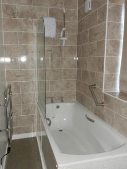 LT bathroom 1