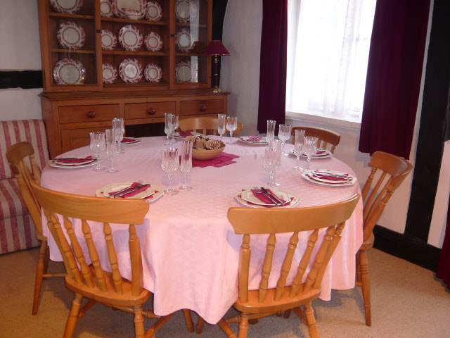 Little Thatch dining table