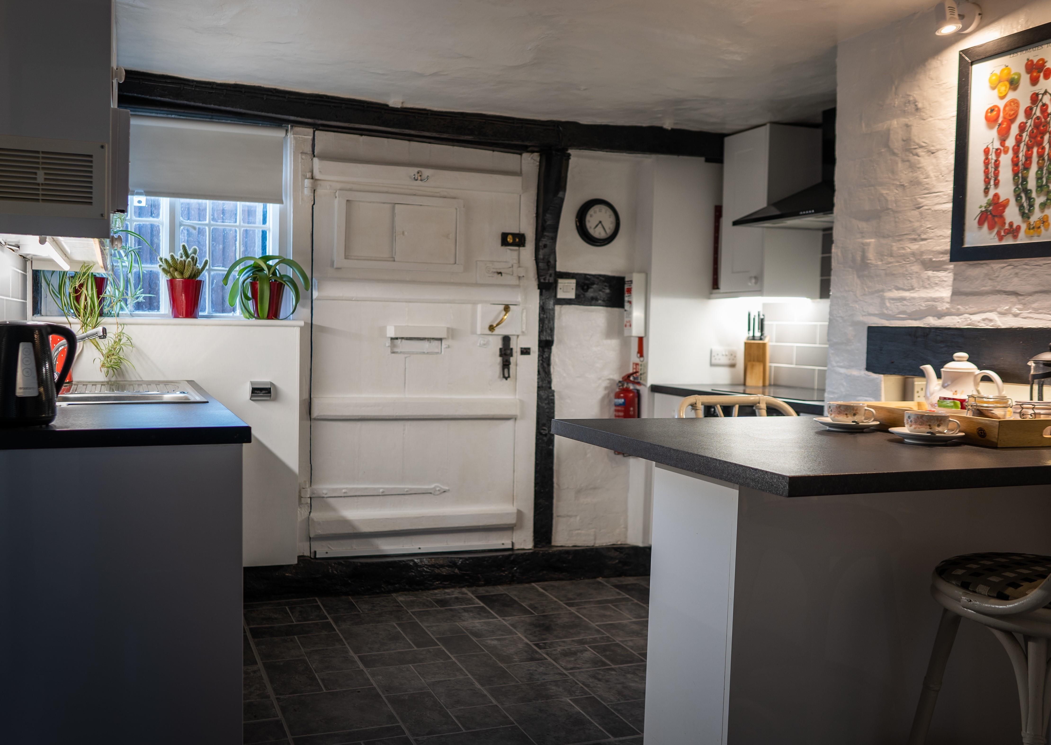 LT kitchen 1 - Dean