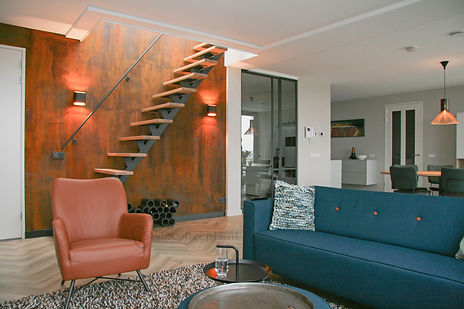 Interieurontwerp Bunscoten-Spakenburg roestmuur roestwand stalen deuren stalen trap - Style Concepts