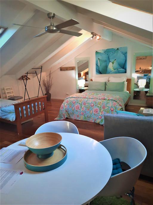 Revamped studio - larger bed