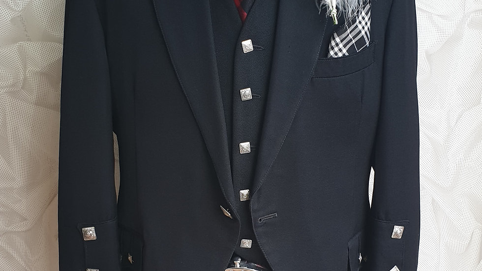 (HIRE) : FULL HIGHLAND DRESS KILT OUTFIT BLACK ISLE TARTAN