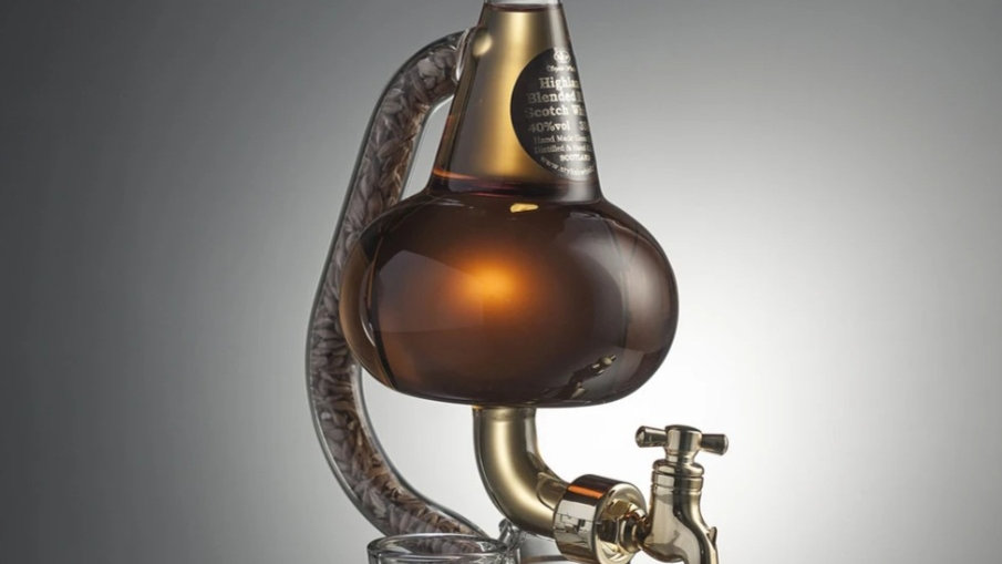 POT STILL WITH DECANTER TAP AND GLASSES