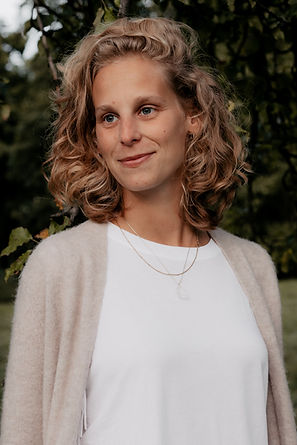 Maren Cremer   Online Charity Yoga