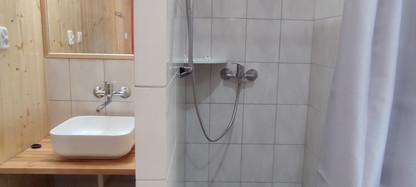 Pobierowo domek z łazienka9.jpg