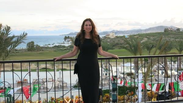Julie Anne Rhodes in Cabo