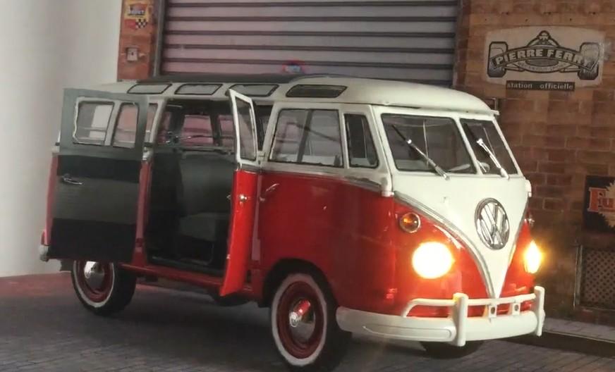 Revell 1/16 Samba Bus