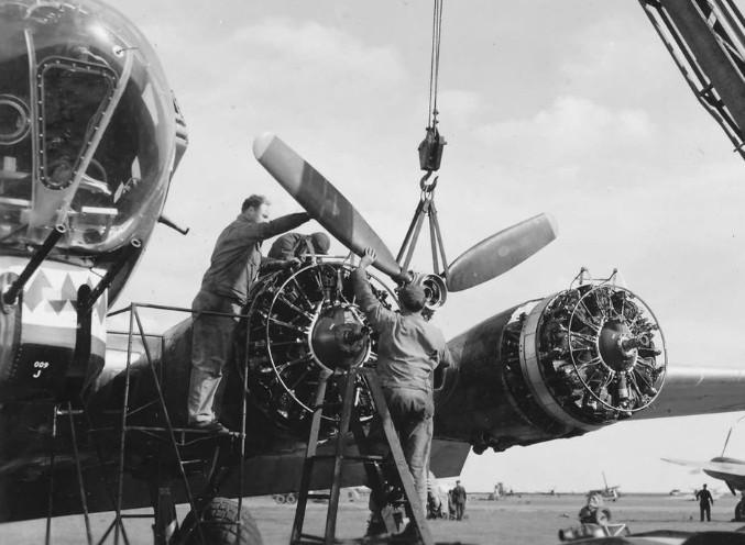 B-17 Cyclon 1943ne
