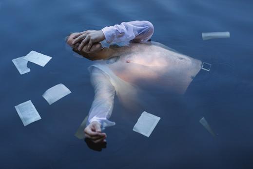 Drifting Poet drowning in words_web.jpg