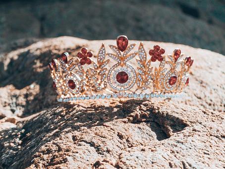 Nous vous dévoilons les couronnes de la catégorie Miss Teen Petite Universe !