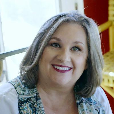 Debbie Minarik, Interior Designer