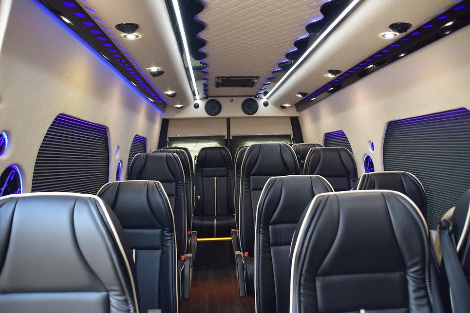 מיניבוס חדש 2019 סופר וי איי פי עד 20 מקומות ישיבה