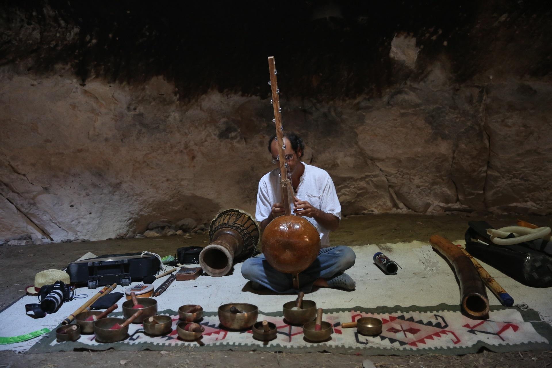 סדנת מוסיקה במערת הפעמון
