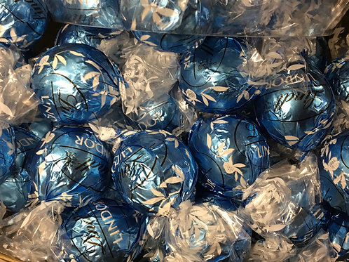 Lindt White Chocolate Cookies and Cream Lindor