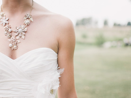 How to Choose the Best Jewelry to Complement Your Wedding Dress