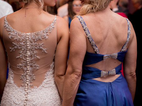 Fun Photos to Capture with Your Bridesmaids on Your Wedding Day
