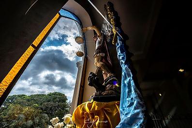 Imagem_de_São_Miguel_Arcanjo_em_frente_à