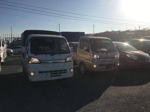 Продам грузовик Daihatsu Hijet Truck 2017 года выпуска.