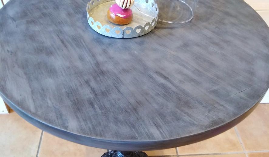 table bistrot effet béton